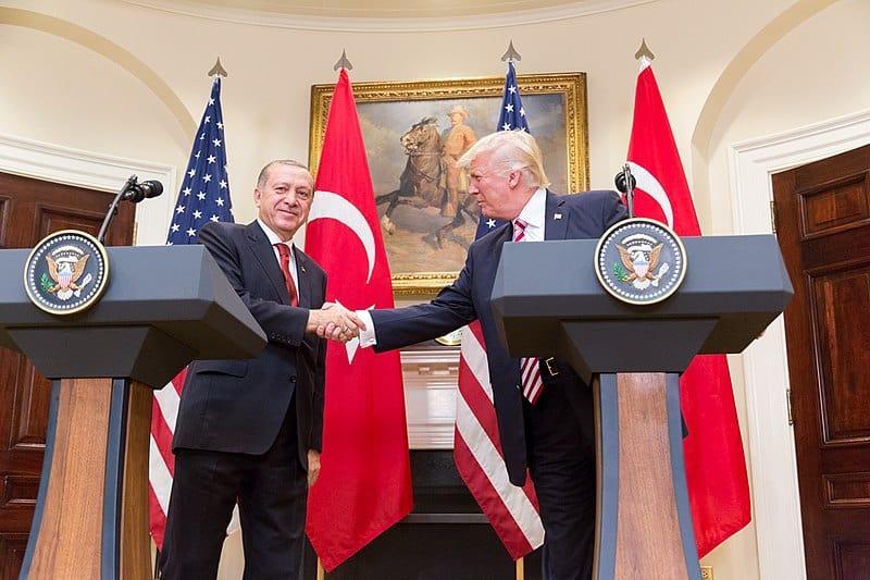 Le président Trump menace de « ruiner l'économie de la Turquie »