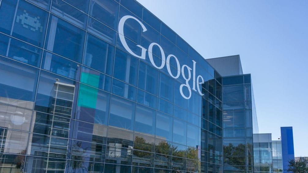 Google : une chute des bénéfices liée aux investissements et aux poursuites engagées en France