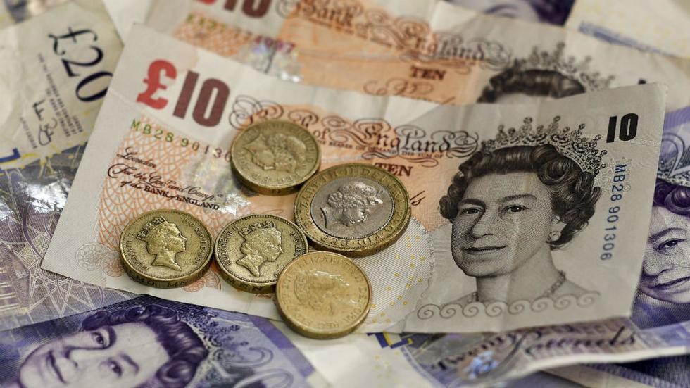 La livre chute de 1 % en raison de l'incertitude entourant le Brexit