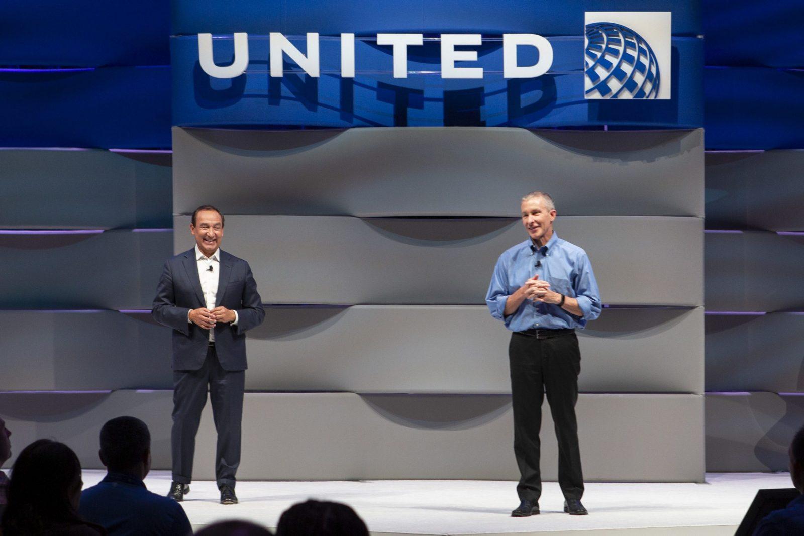 United Airlines : Oscar Munoz quitte son poste de PDG et le président Scott Kirby prend la relève