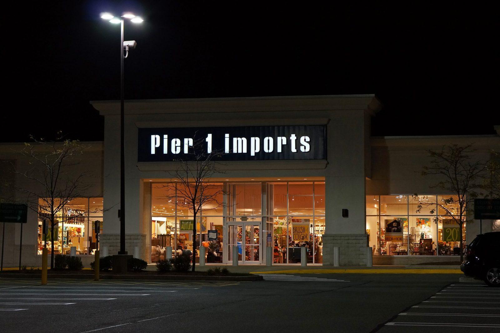 Pier 1 Imports prévoit de fermer jusqu'à 450 magasins