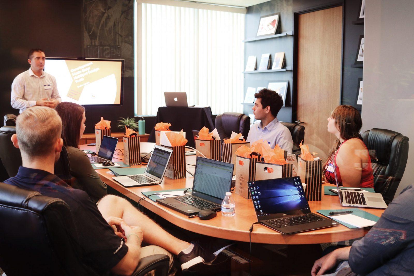 SAP toujours leader dans les logiciels de gestion d'entreprise face à Oracle