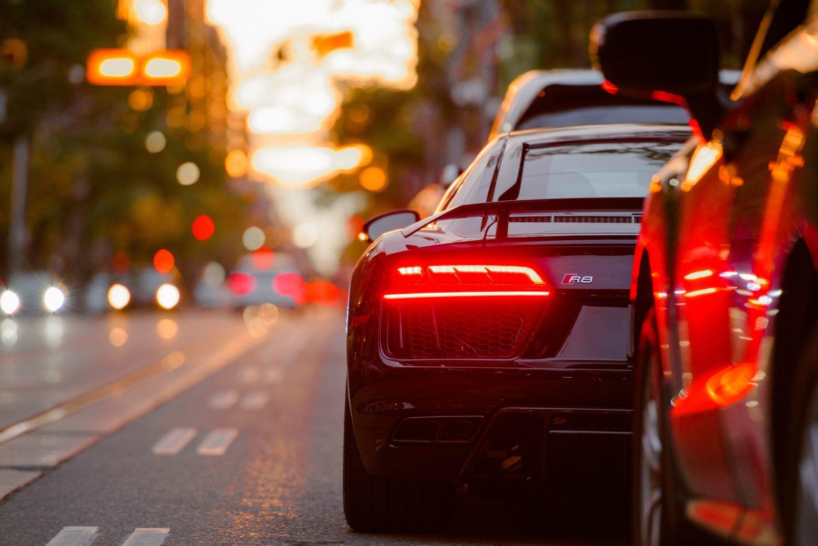 La vente de véhicules d'occasion en ligne se développe et la société Shift tente de concurrencer Carvana et Vroom