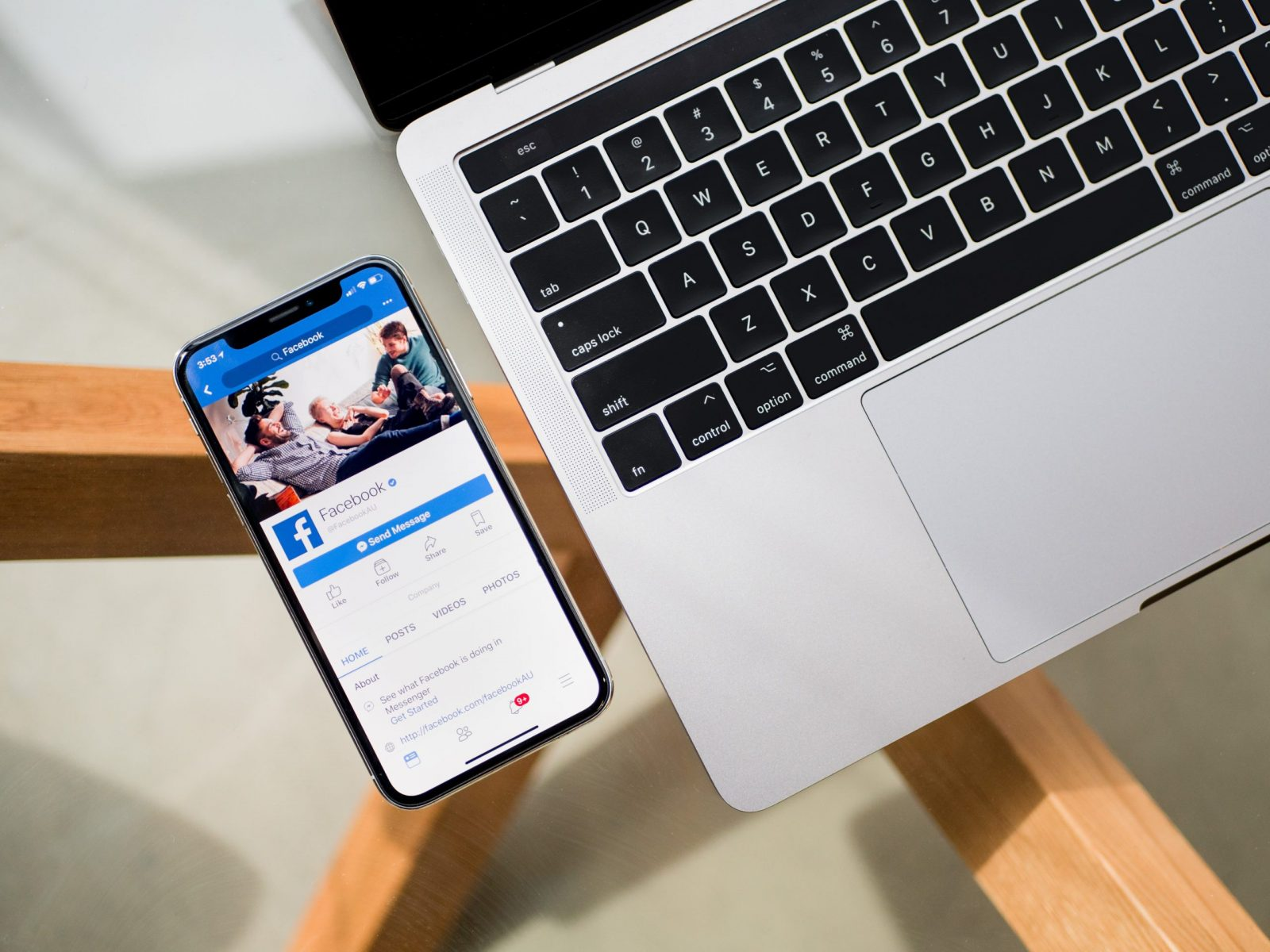 Facebook offre la possibilité d'envoyer des e-mails marketing via son application Gestionnaire de Pages