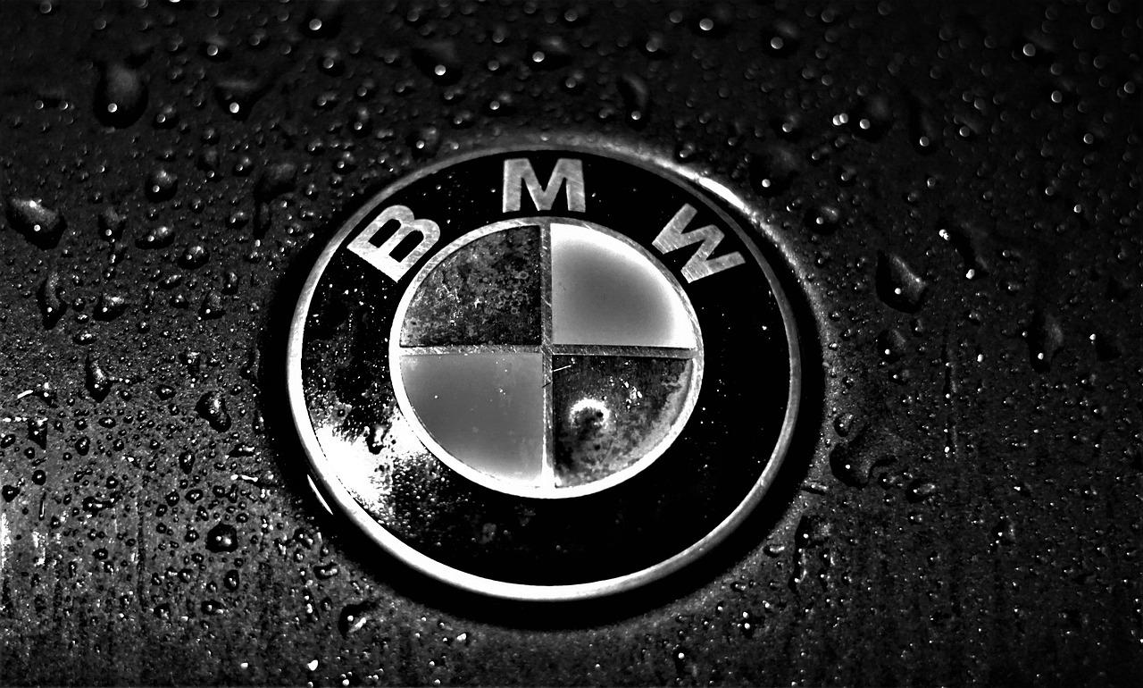 BMW étend sa fabrication de voitures électriques sur son plus grand site européen pour rivaliser avec Tesla