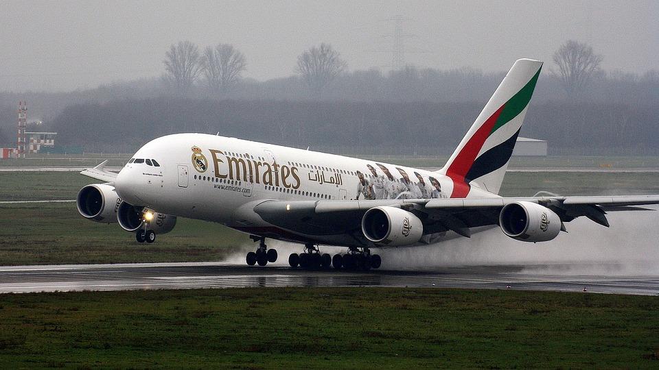 Emirates et Siemens promettent d'aider le Liban avec un pont aérien et de l'énergie gratuite