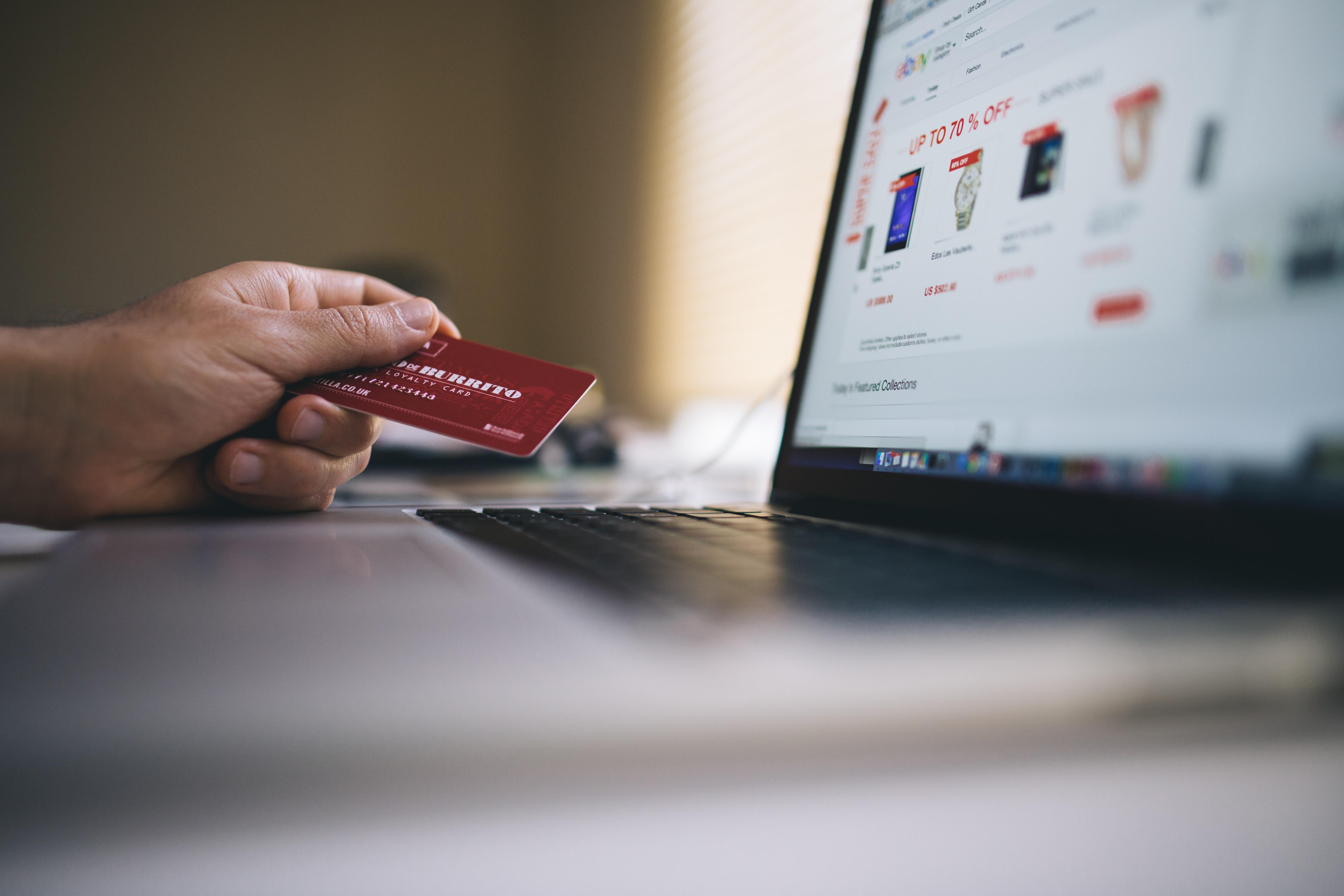 La pandémie accélère l'essor du e-commerce dans les économies émergeantes