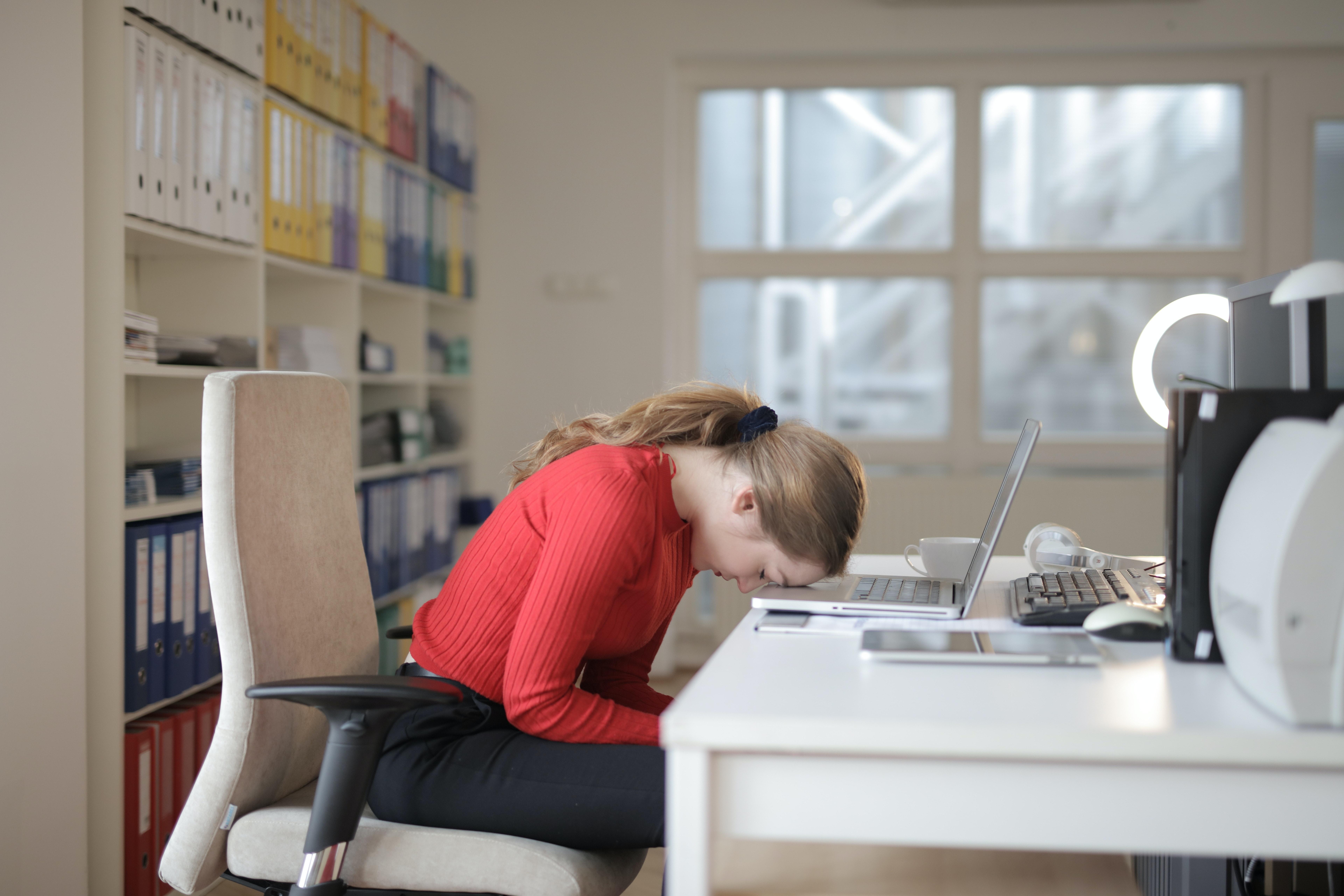 Travailler 55h par semaine, un risque pour la santé